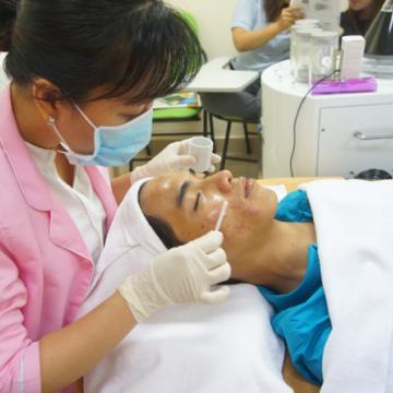 Trị liệu da an toàn và hiệu quả cùng Peeling Thụy Sĩ