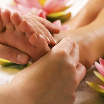 Dạy Massage Thụy Điển: Kỹ Thuật Xoa Bóp Bàn Chân