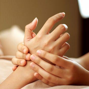 Dạy Massage Thụy Điển: Kỹ Thuật Xoa Bóp Bàn Tay