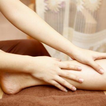 Dạy Massage Thụy Điển: Kỹ Thuật Xoa Bóp Chân