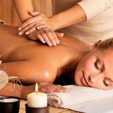 Dạy Massage Thụy Điển: Kỹ Thuật Xoa Bóp Cột Sống
